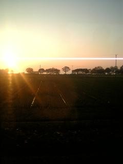 米原から夕日と琵琶湖